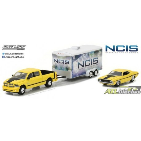 31040-C - 1-64 Hollywood Hitch and Tow 4 - NCI.jpg