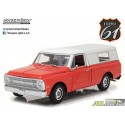 1970 CHEVROLET C 10 WITH SMALL CAMPER SHELL  1:18