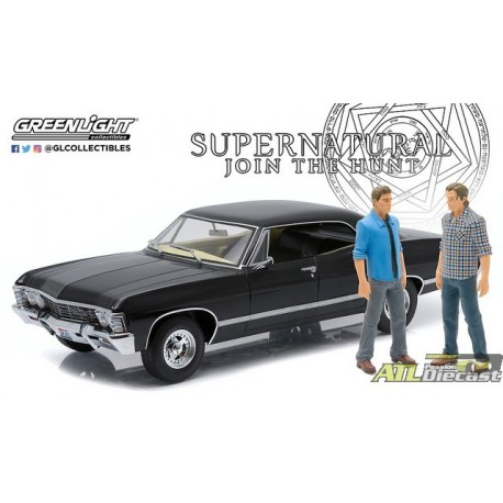 1967 CHEVROLET IMPALA SPORT SEDAN WITH FIGURE  1:18