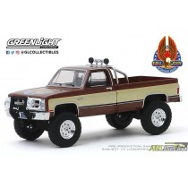 44860-F - 1-64 Hollywood 26 - 1-64 1982 GMC K-2500 - Fall Guy Stuntman Assoc - Pkg (Front,High Res).jpg (127.36 KB ATLDIECAST