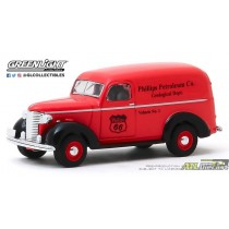 41100-A - 1-64 Running on Empty 10 - 1939 Chevy Panel Truck (Front,High Res).jpg (84.78 KB) ATLPASSIONDIECAST.COM
