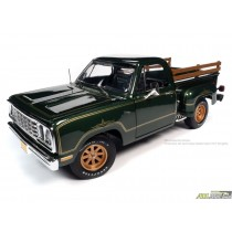 1977 Dodge Warlock Green with Gold Pinstriping - American Muscle 30th Anniversary - 1:18 Auto World - AMM1243