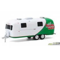 1971 Airstream Double-Axle Land Yacht Safari - Turtle Wax - Hitched Homes Series 8 - greenlight 1/64 - 34080 C atlpassiondiecast